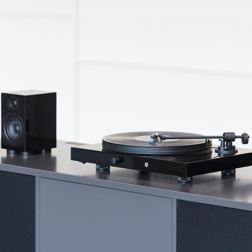 Pro-Ject Music Crate 2, Juke Box E Turntable & Speaker Box 5 (Black)